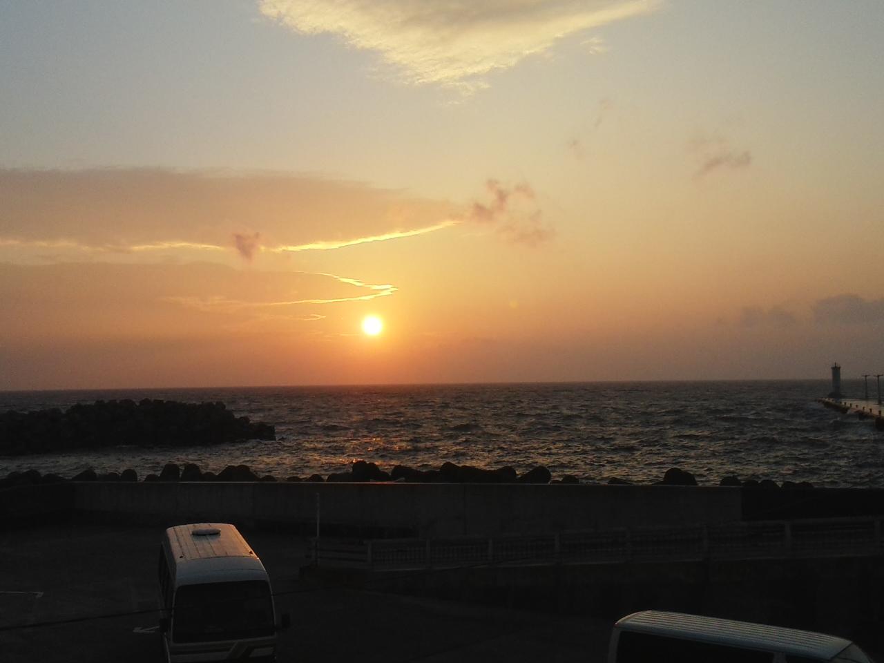 大島の夕日です