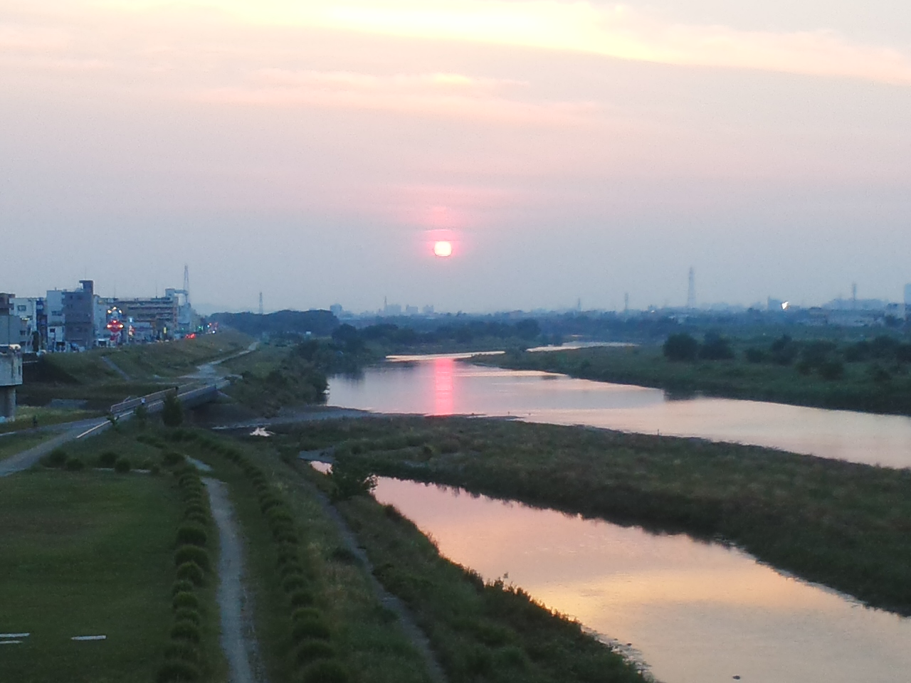 多摩川の夕日です